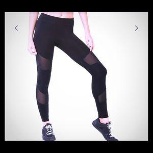 FOREVER 21 BLACK LEGGINGS/GYM PANTS